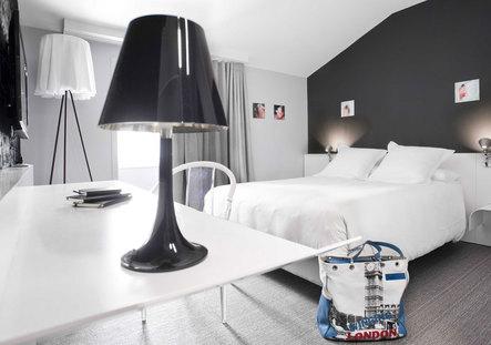 hotel la rochelle 4 toiles. Black Bedroom Furniture Sets. Home Design Ideas