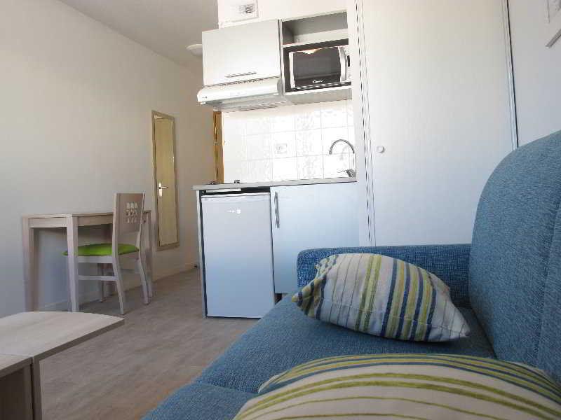 lagrange apart 39 hotel l escale marine la rochelle. Black Bedroom Furniture Sets. Home Design Ideas